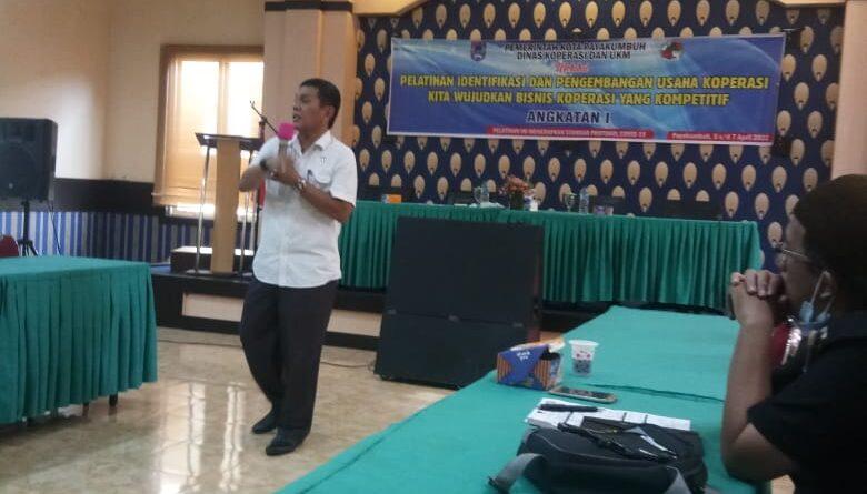 Guru SMKS 2 Kosgoro Mengikuti Pelatihan Koperasi